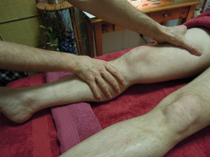 Image of Massage of leg for Relaxing Therapeutic Massage For Men Edinburgh with Jim